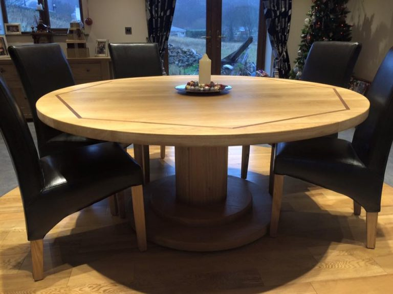 Round Oak Dining Table Coleman amp Edwards Makers of Fine  : Oak Table 4 768x576 from www.makersoffinefurniture.co.uk size 768 x 576 jpeg 63kB